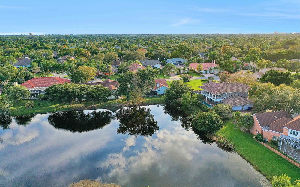 16 Baywood Ct, Fort Myers - Home For Sale 1496191791