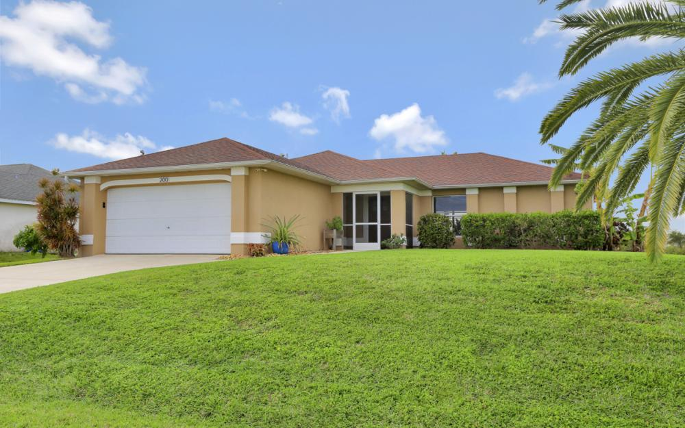200 SW 13th Ave Cape Coral - Home For Sale 643106045