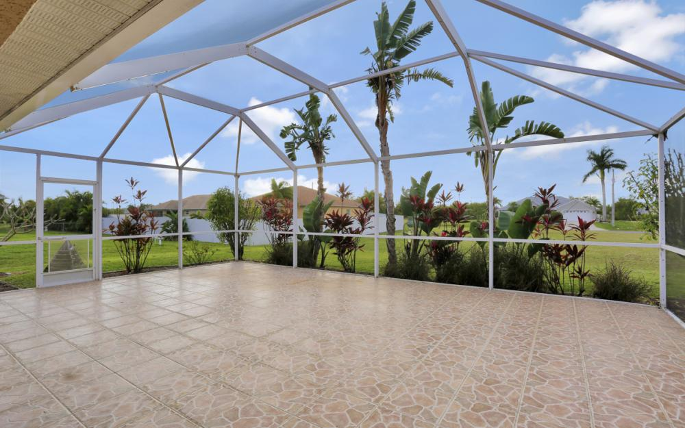 200 SW 13th Ave Cape Coral - Home For Sale 1740613641