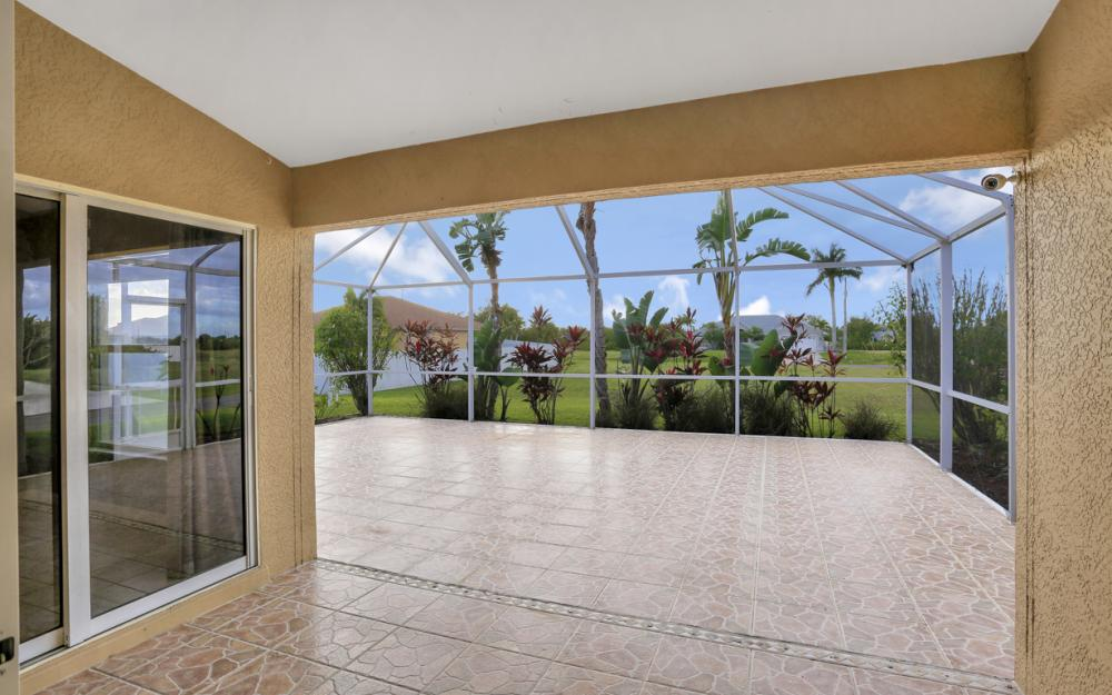 200 SW 13th Ave Cape Coral - Home For Sale 602628372