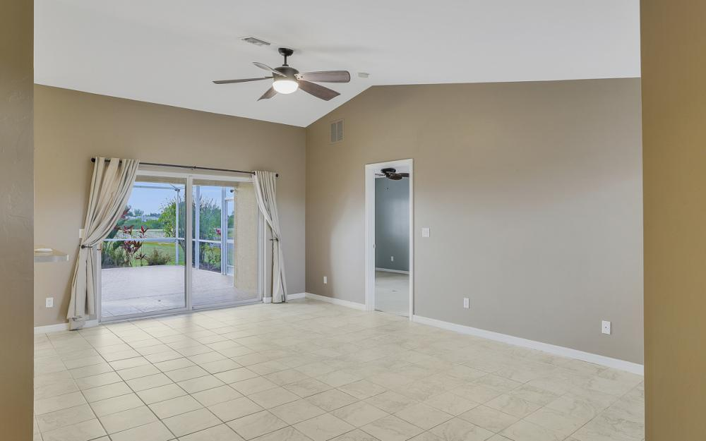 200 SW 13th Ave Cape Coral - Home For Sale 436292552