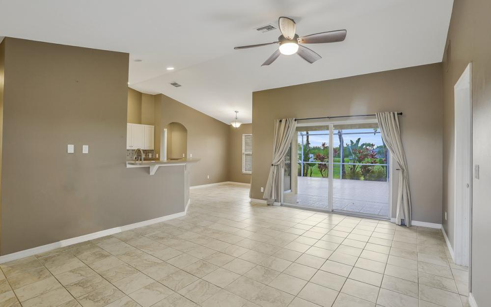 200 SW 13th Ave Cape Coral - Home For Sale 835208388