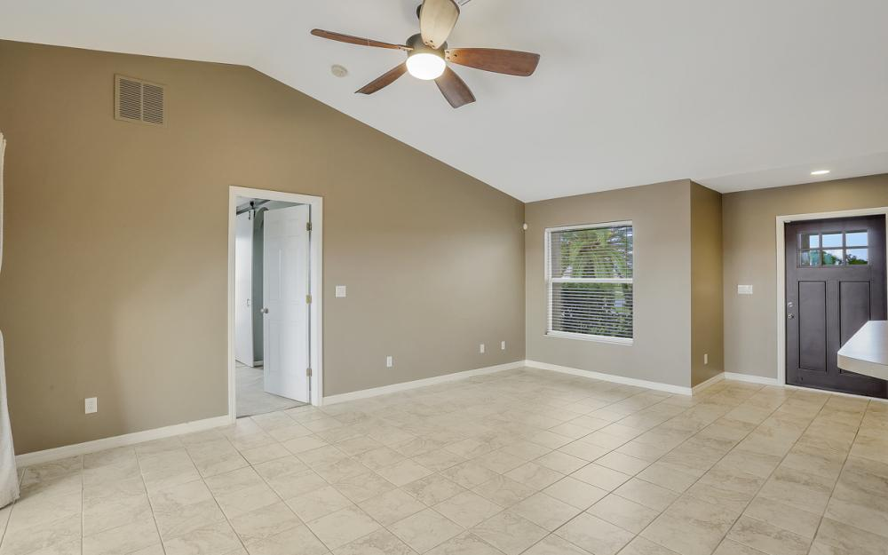200 SW 13th Ave Cape Coral - Home For Sale 474242103