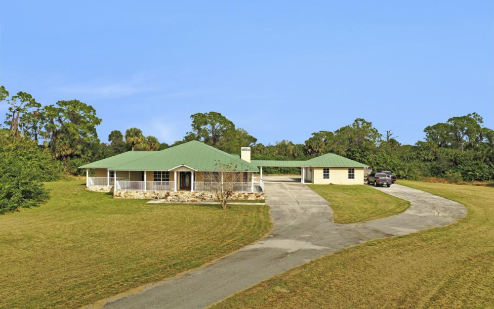 5601 Jackson Rd, Fort Myers - Home For Sale 1054976227