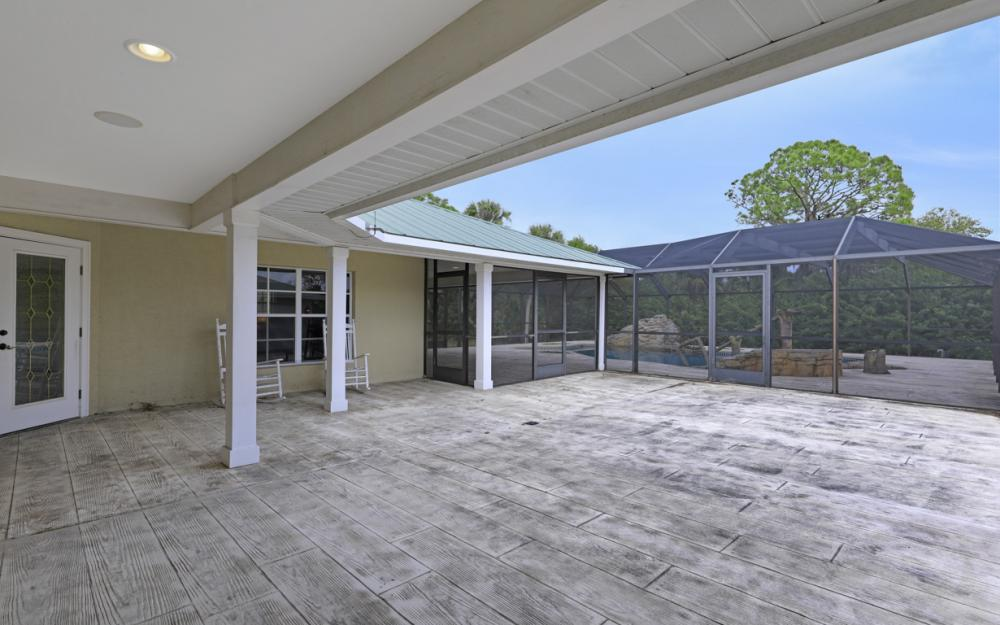 5601 Jackson Rd, Fort Myers - Home For Sale 79499939