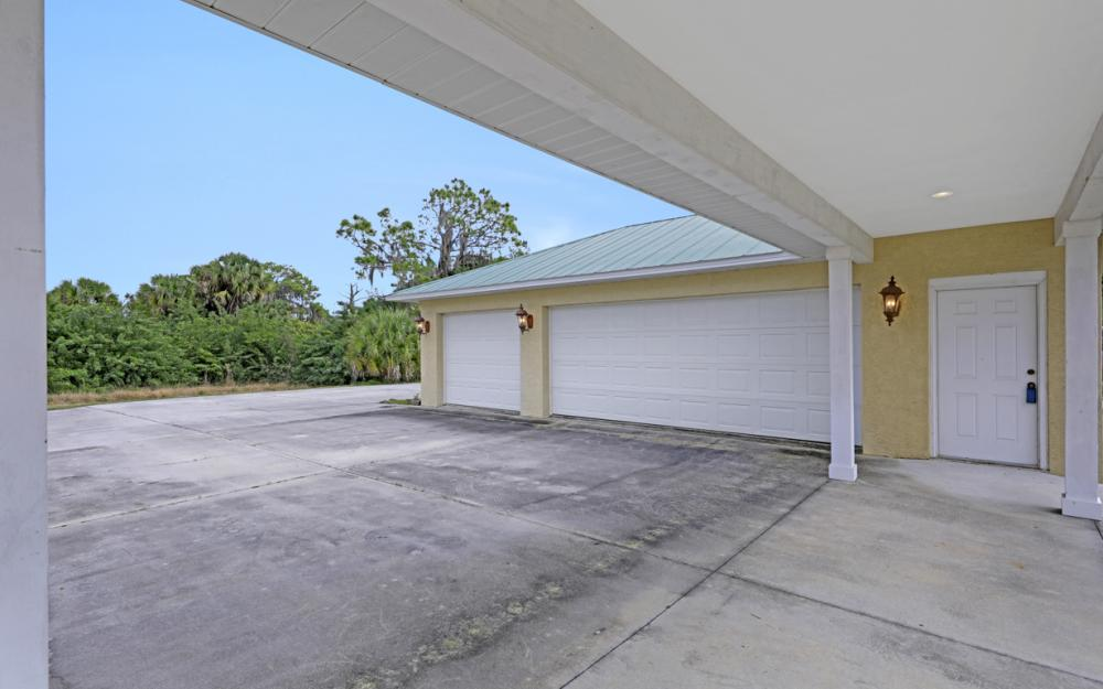 5601 Jackson Rd, Fort Myers - Home For Sale 1689990511