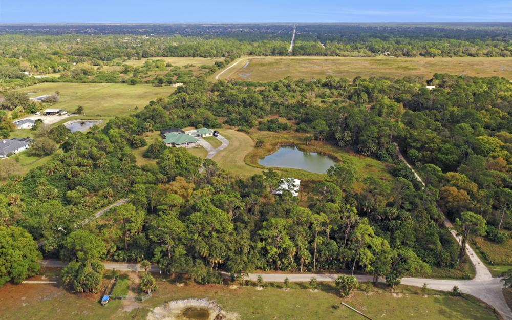 5601 Jackson Rd, Fort Myers - Home For Sale 438716519