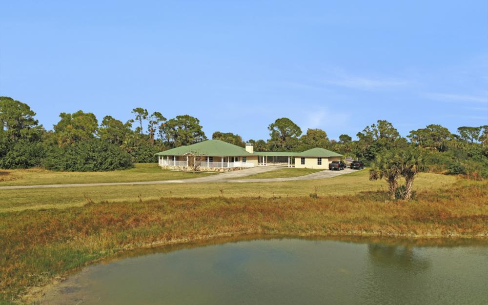 5601 Jackson Rd, Fort Myers - Home For Sale 1327195428