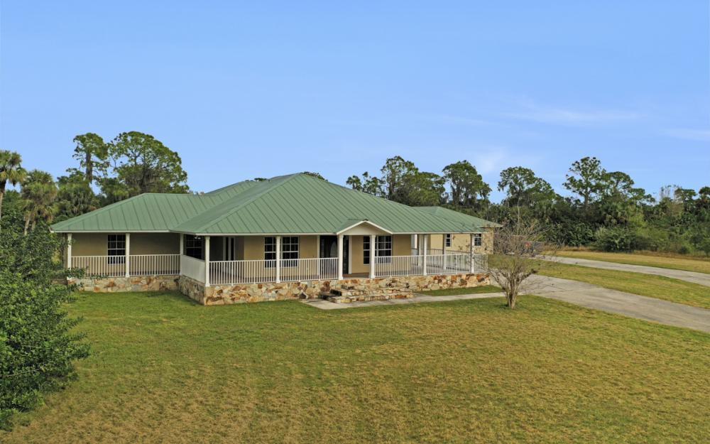 5601 Jackson Rd, Fort Myers - Home For Sale 1862522026