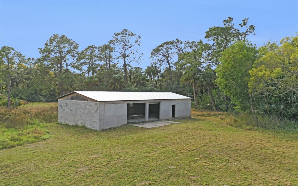 5601 Jackson Rd, Fort Myers - Home For Sale 39335398