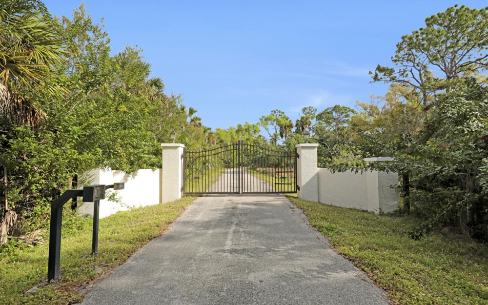 5601 Jackson Rd, Fort Myers - Home For Sale 110323117