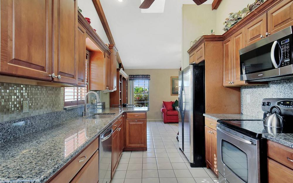 908 SE 24th St, Cape Coral - House For Sale 169035677