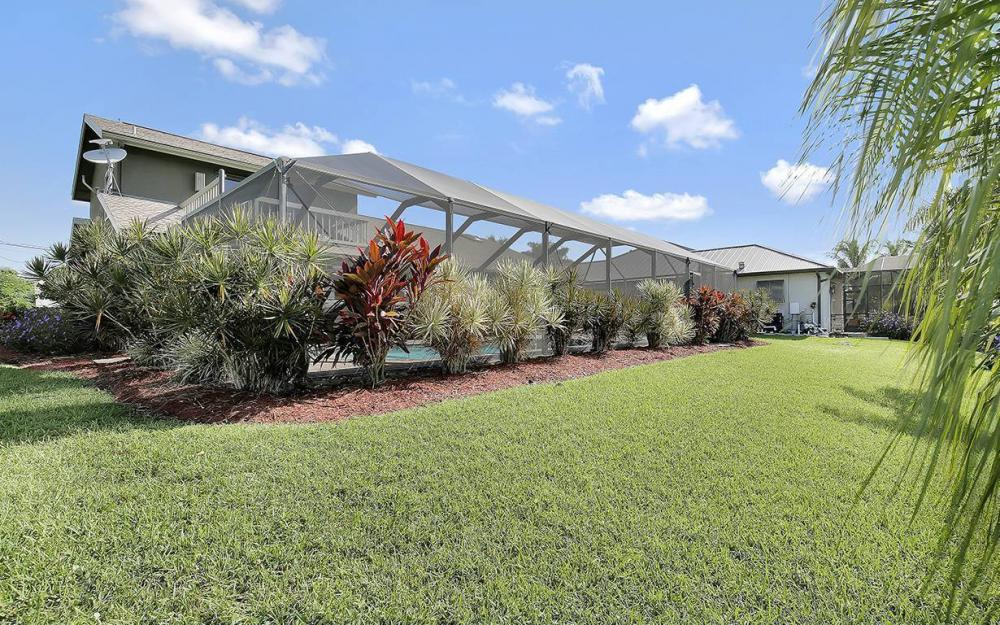 908 SE 24th St, Cape Coral - House For Sale 89289258
