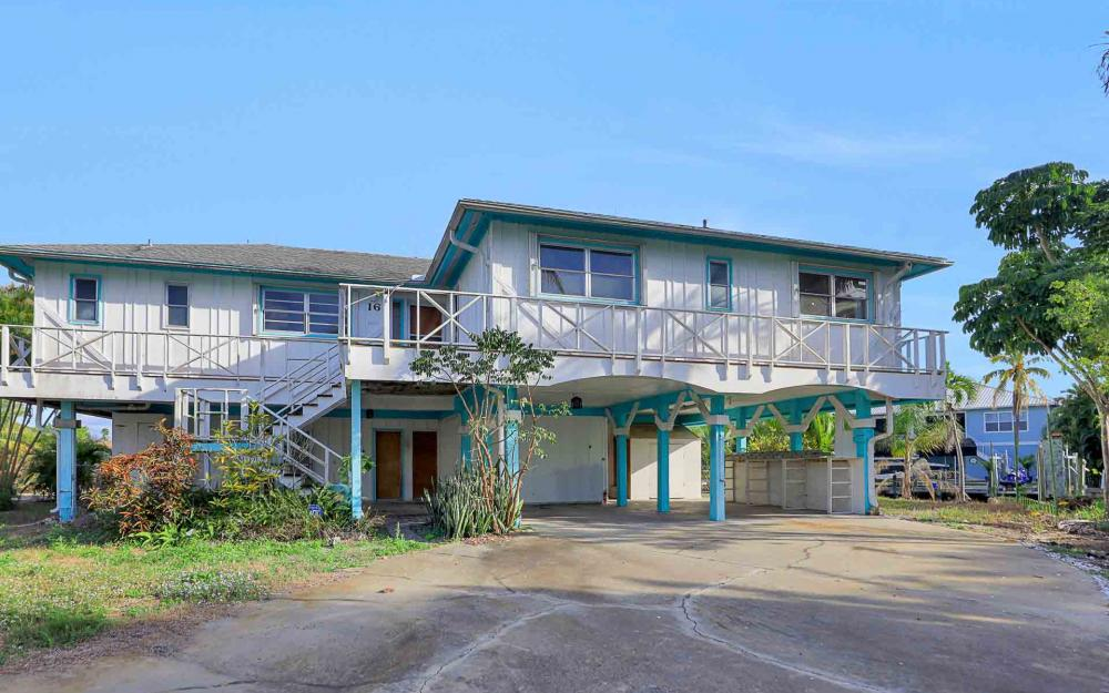 16 Pepita St, Fort Myers Beach - Home For Sale 280913547