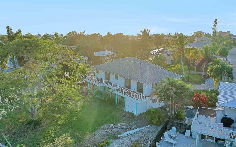16 Pepita St, Fort Myers Beach - Home For Sale 137647325