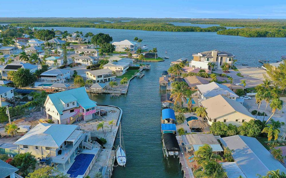 16 Pepita St, Fort Myers Beach - Home For Sale 1040098425