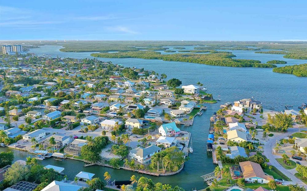 16 Pepita St, Fort Myers Beach - Home For Sale 354904185