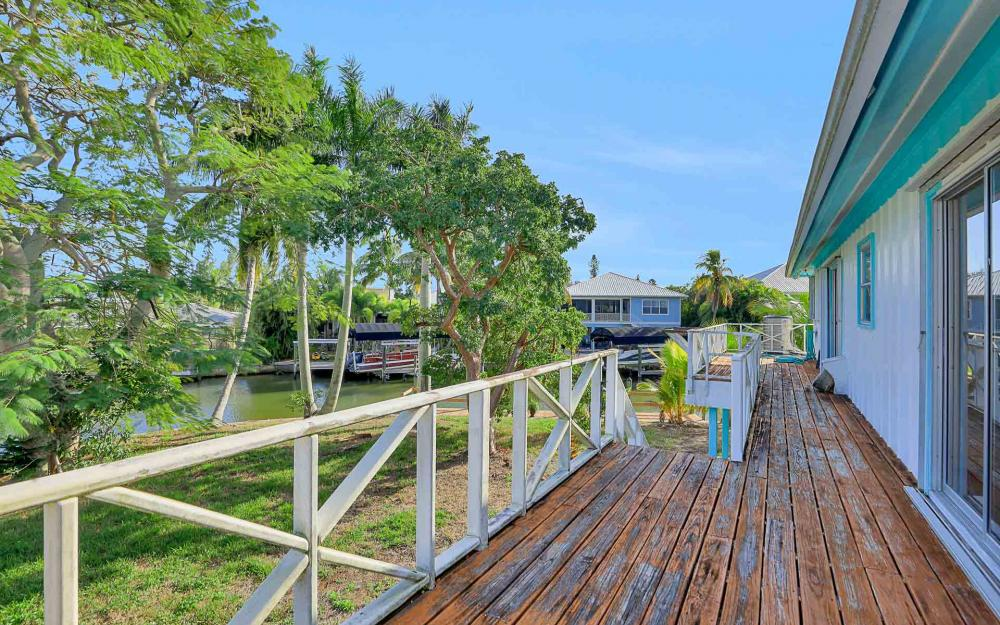16 Pepita St, Fort Myers Beach - Home For Sale 2057264673