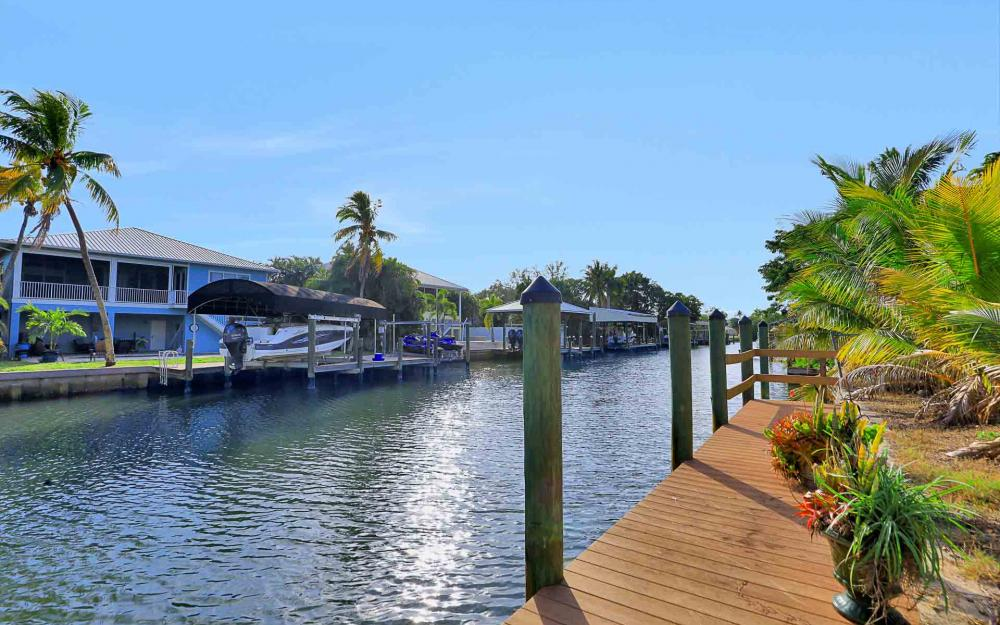 16 Pepita St, Fort Myers Beach - Home For Sale 1889945488