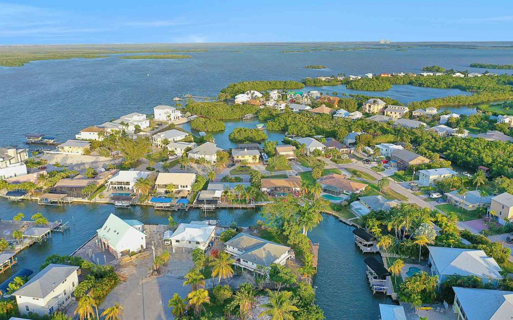 16 Pepita St, Fort Myers Beach - Home For Sale 607736487