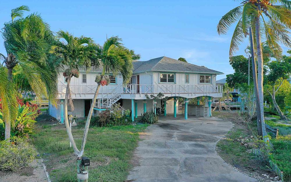 16 Pepita St, Fort Myers Beach - Home For Sale 436450547