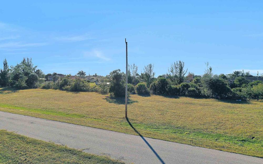 2322 NW 37th Pl, Cape Coral - Lot For Sale 1701911907