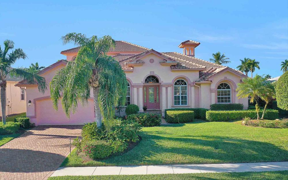 1870 Woodbine Ct, Marco Island - Home For Sale 125562975