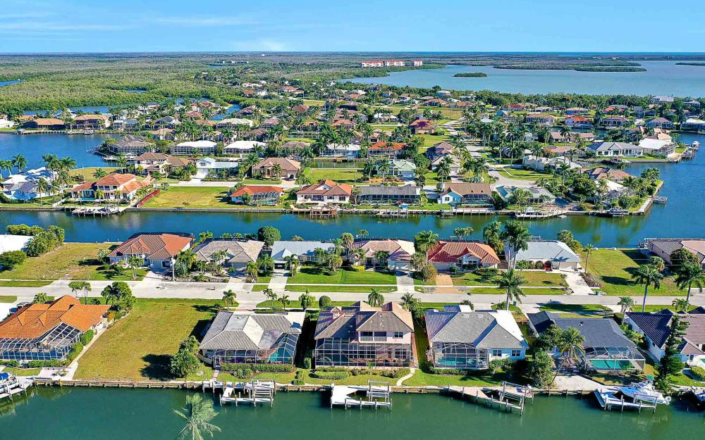 1870 Woodbine Ct, Marco Island - Home For Sale 242969107