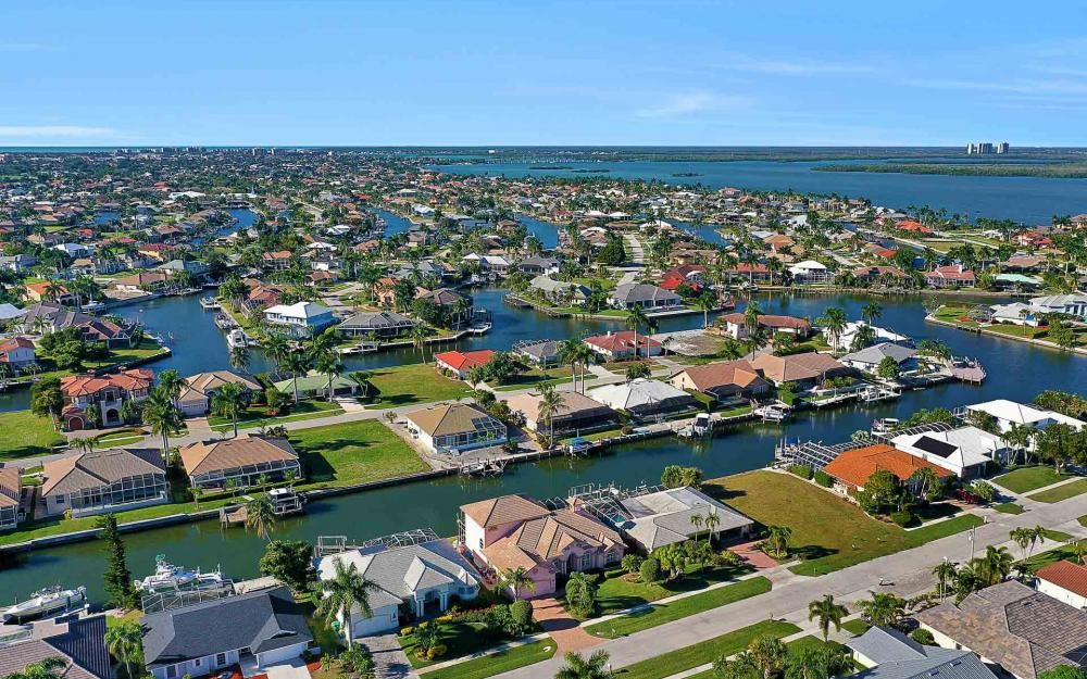 1870 Woodbine Ct, Marco Island - Home For Sale 313201977