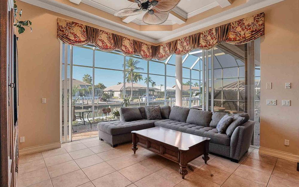 1870 Woodbine Ct, Marco Island - Home For Sale 678274788