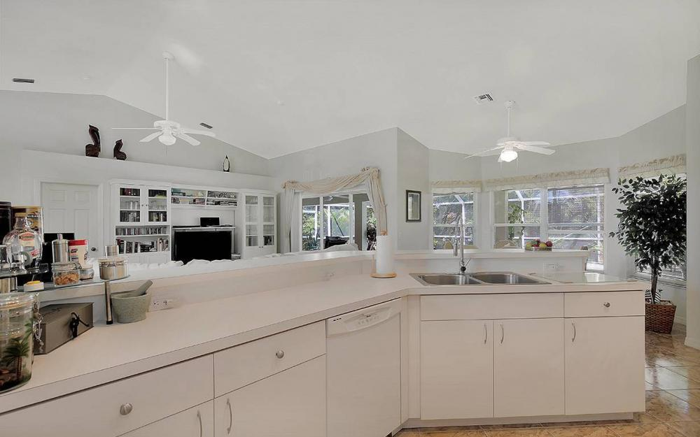 5233 SW 19th Pl, Cape Coral - House For Sale 970357464