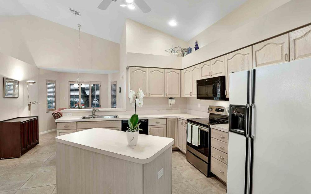 24957 Bay Cedar Dr, Bonita Springs - Home For Sale 1740931651