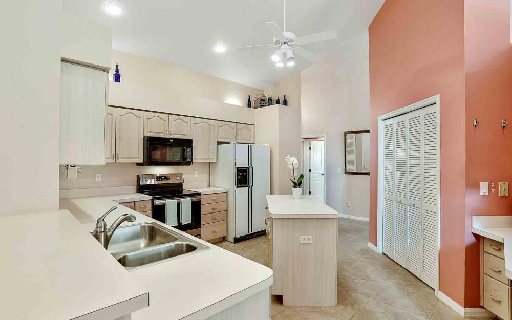 24957 Bay Cedar Dr, Bonita Springs - Home For Sale 57868431