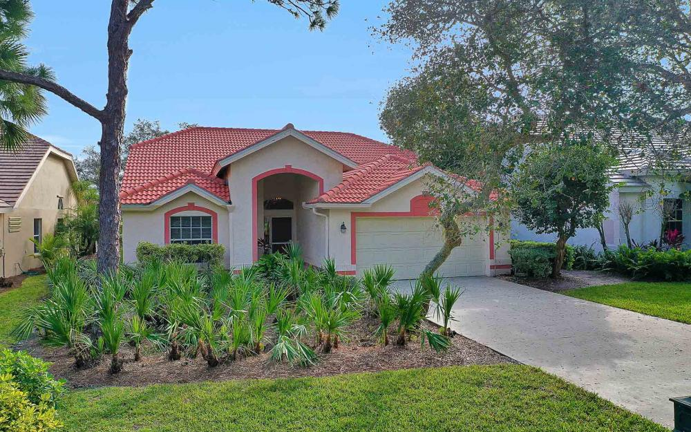 24957 Bay Cedar Dr, Bonita Springs - Home For Sale 305305376