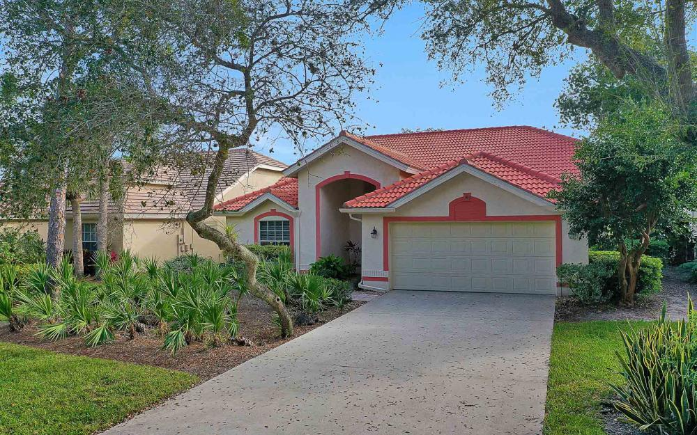 24957 Bay Cedar Dr, Bonita Springs - Home For Sale 937563824