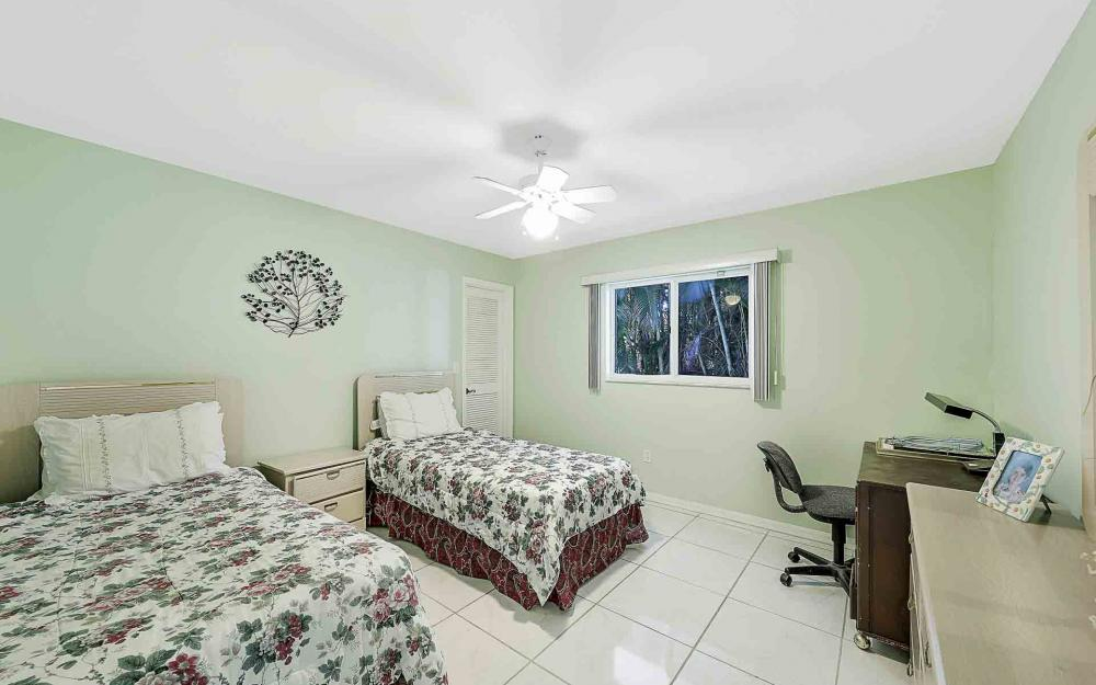 6588 Hartland St, Fort Myers - Home For Sale 248257206