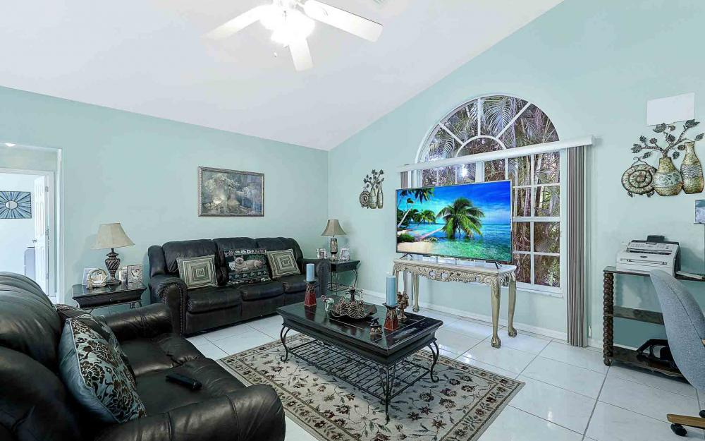 6588 Hartland St, Fort Myers - Home For Sale 966527115
