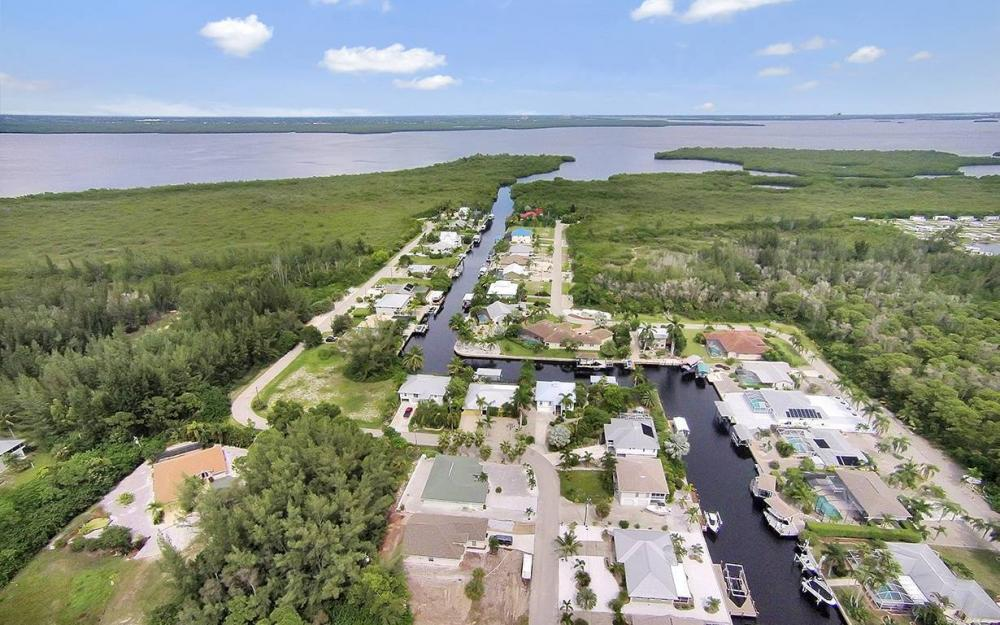 3723 Manatee Dr, St. James City - House For Sale 257623678