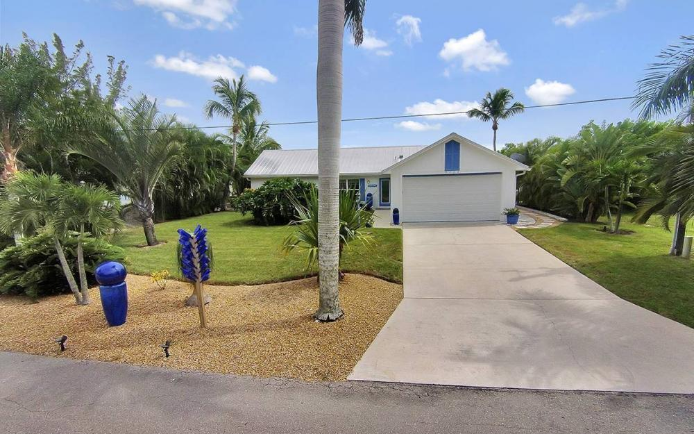 3723 Manatee Dr, St. James City - House For Sale 1214855210