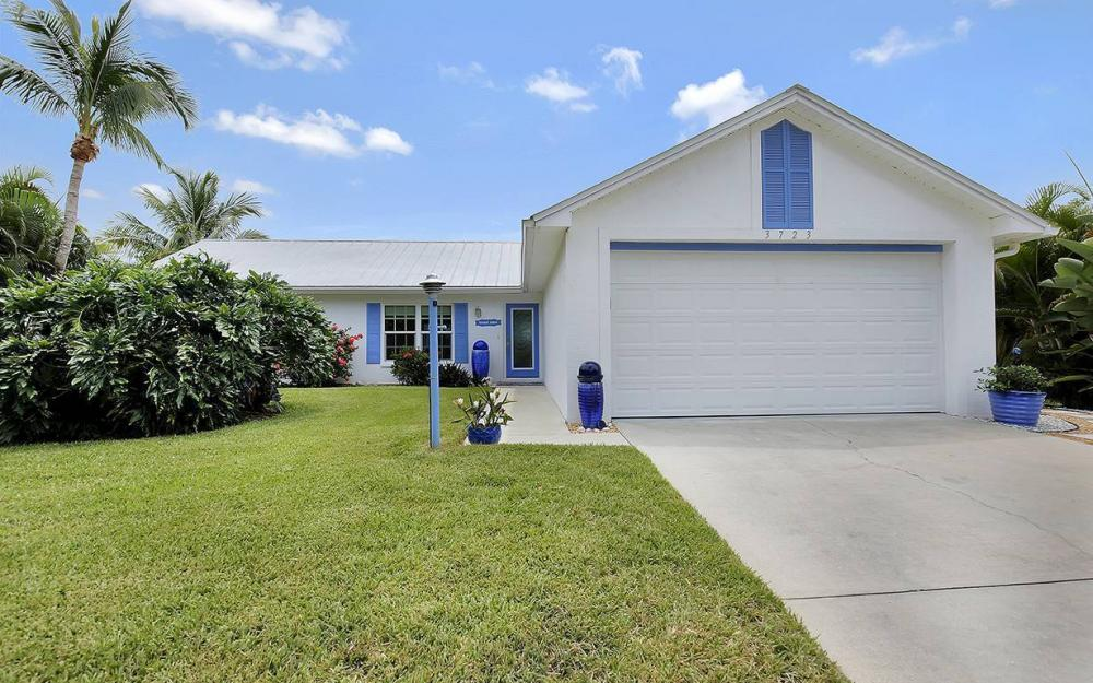 3723 Manatee Dr, St. James City - House For Sale 349215985