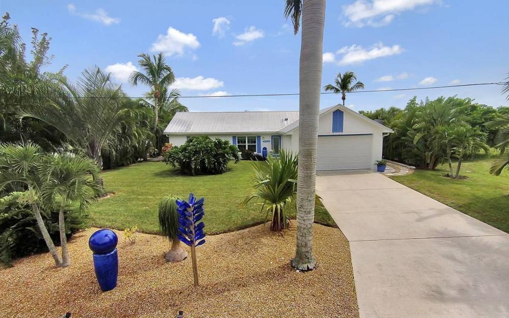 3723 Manatee Dr, St. James City - House For Sale 315472444