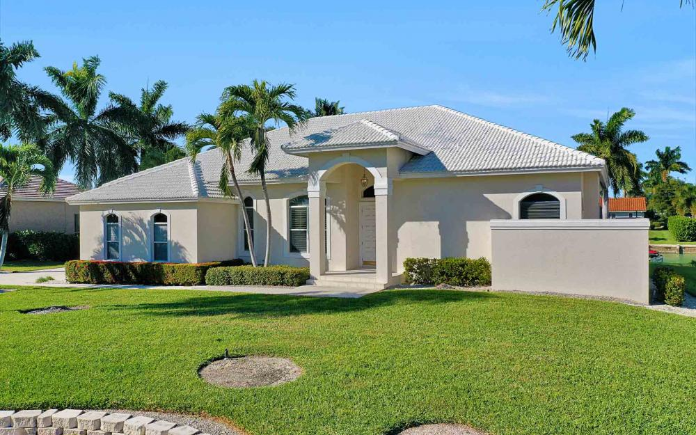 1410 Quintara Ct, Marco Island - Home For Sale 1037013301