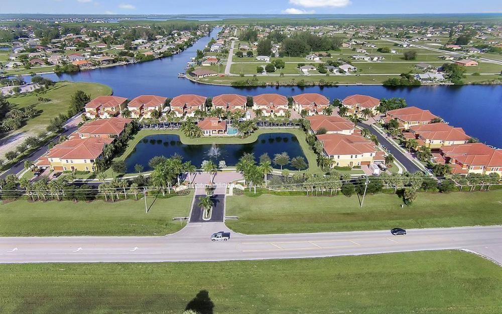 221 Shadroe Cove Cir #1303, Cape Coral - House For Sale 1074818264