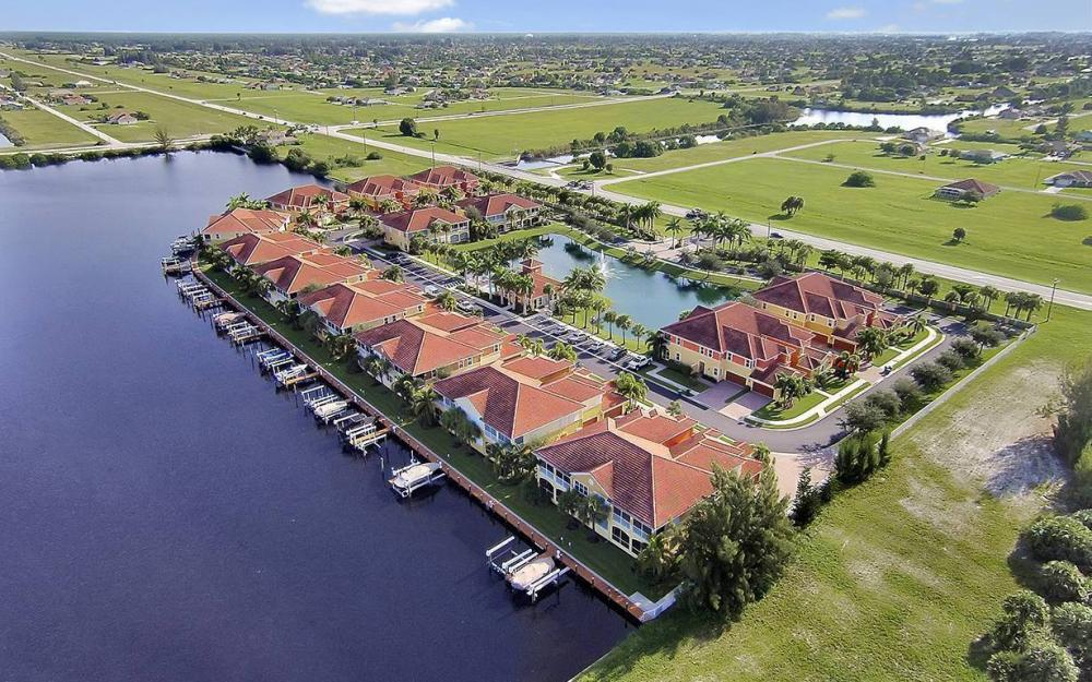 221 Shadroe Cove Cir #1303, Cape Coral - House For Sale 826754448