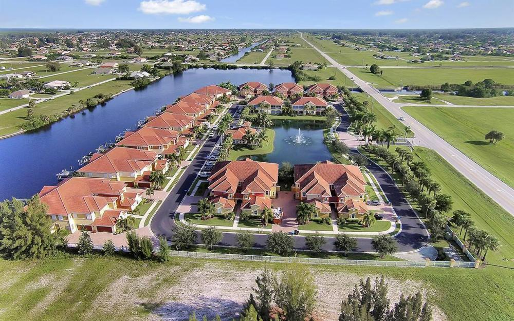 221 Shadroe Cove Cir #1303, Cape Coral - House For Sale 1300688156