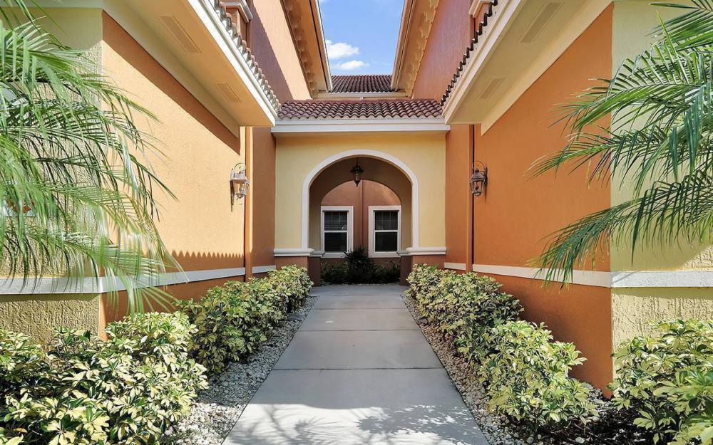221 Shadroe Cove Cir #1303, Cape Coral - House For Sale 872590851