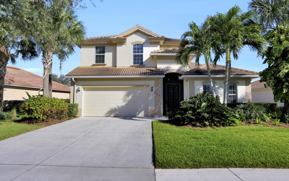 8229 Valiant Dr, Naples - Home For Sale 245286763