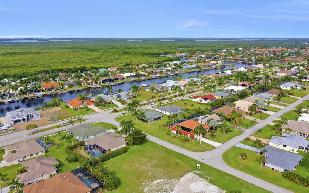2720 SW 53rd Ln Cape Coral - Lot For Sale 1877164440