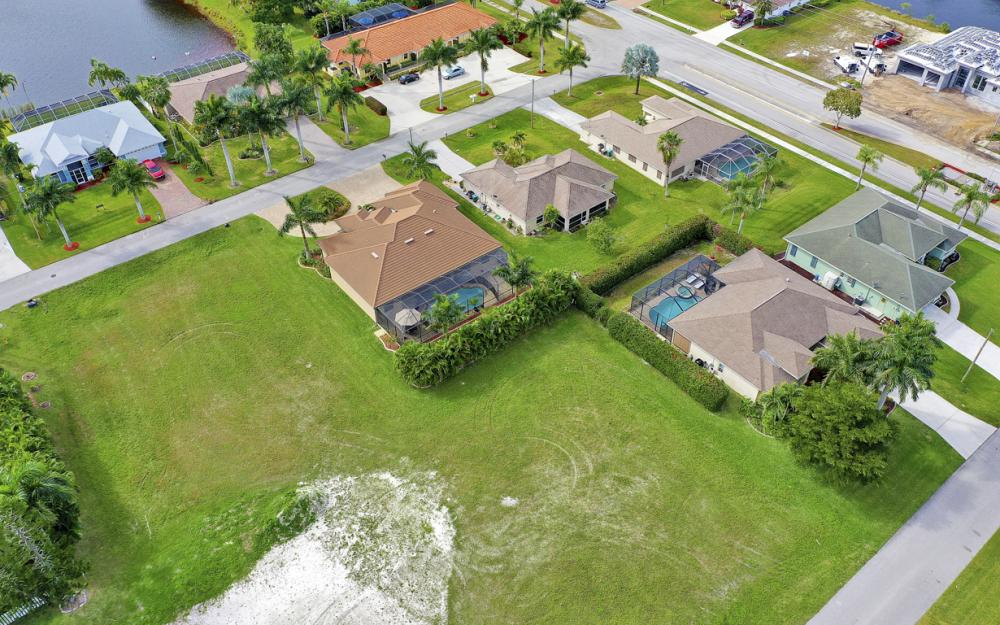 2720 SW 53rd Ln Cape Coral - Lot For Sale 1922571960
