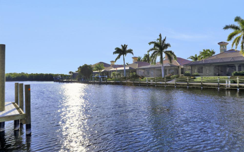5866 Shell Cove Dr, Cape Coral - Home For Sale 2054989640